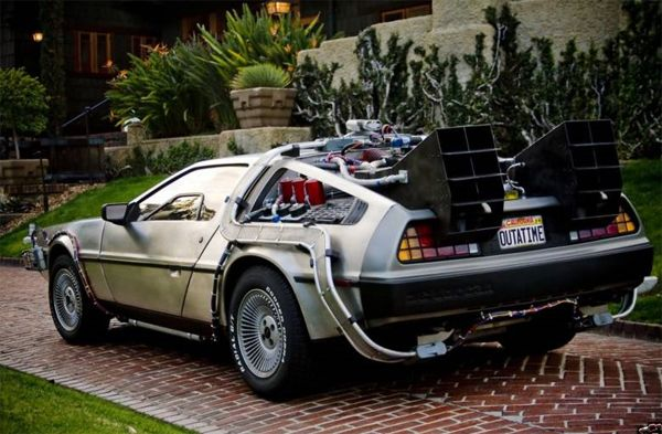 Back to the Future Delorean Time Machine (7).jpg