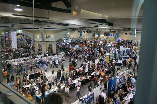 san_diego_comic_con_2007_convention_floor__45_.jpg