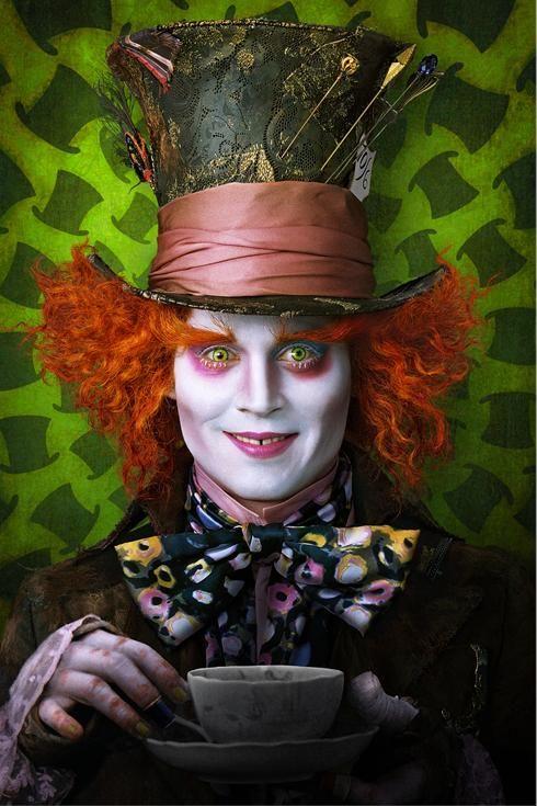 http://www.collider.com/wp-content/image-base/Movies/A/Alice_in_Wonderland/alice_in_wonderland_johnny_depp_mad_hatter_image_01.jpg