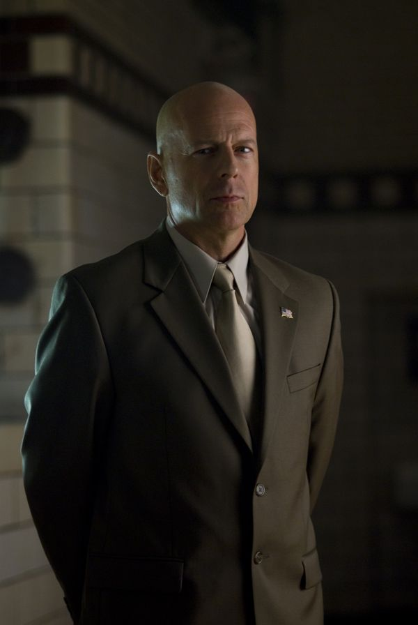 assassination_of_a_high_school_president_movie_image_bruce_willis.jpg