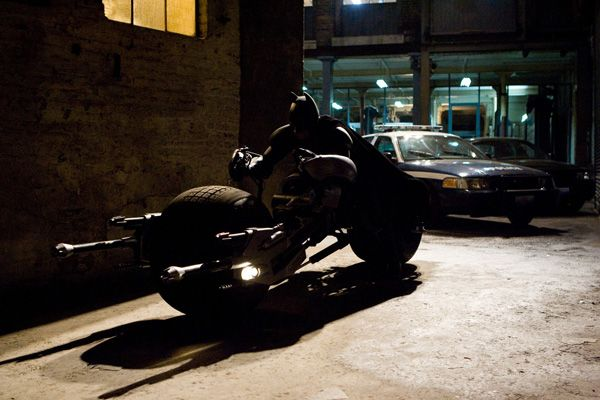 batman_the_dark_knight_batpod.jpg