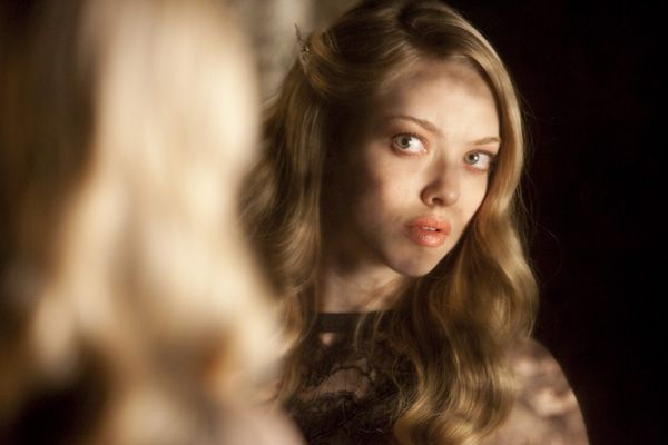 Chloe movie image Amanda Seyfried (4).jpg