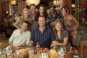 couples_retreat_movie_image_kristen_bell__jon_favreau__kristin_davis__faizon_love__kali_hawk__malin_ackerman__vince_vaughn__and_jason_bateman.jpg