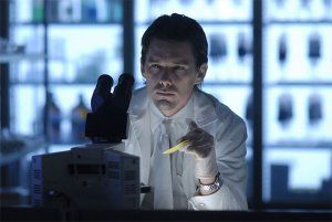 darbreakers_movie_image_ethan_hawke.jpg