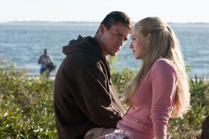 Dear John movie image Channing Tatum and Amanda Seyfried.jpg