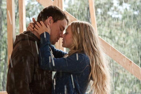 Dear John movie image Channing Tatum and Amanda Seyfried  (1).jpg