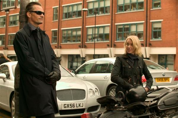 eastern_promises_movie_image_viggo_motensen_and_naomi_watts__1___custom_.jpg