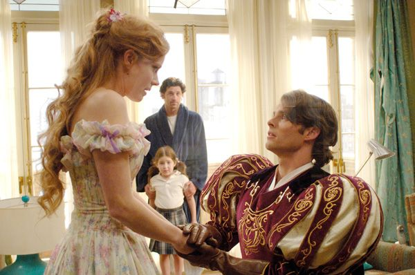 enchanted_movie_image_amy_adams__4_.jpg