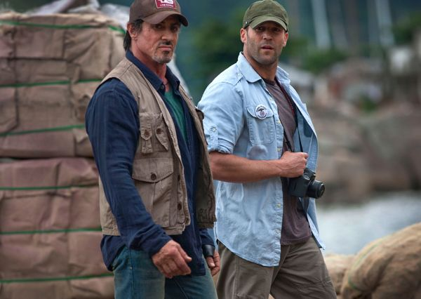 jason_statham_and_sylvester_stallone_on_set.jpg