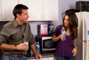 extract_movie_image_jason_bateman_and_mila_kunis.jpg