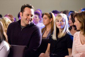four_christmases_movie_image_reese_witherspoon_and_vince_vaughn_1.jpg