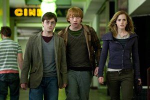 Daniel Radcliffe, Rupert Grint, Emma Watson Harry Potter and the Deathly Hallows movie image 1.jpg