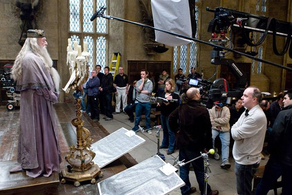 director_david_yates_and_the_crew_watch_michael_gambon_as_albus_dumbledore_harry_potter_movie_image.jpg