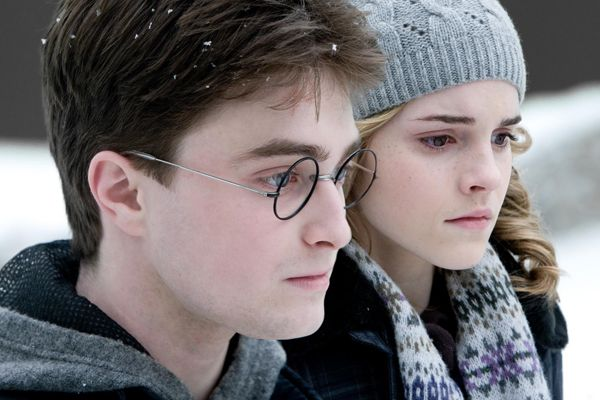 emma_watson_and_daniel_radcliffe_harry_potter_and_the_half_blood_prince_movie_image_s.jpg