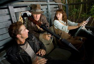 indiana_jones_and_the_kingdom_of_the_crystal_skull_movie_image_-_indy_with_bazooka.jpg