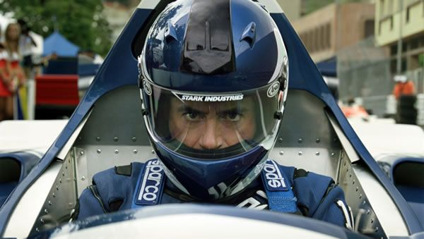 iron_man_2_movie_image_robert_downey_jr_formula_one_car_01.jpg
