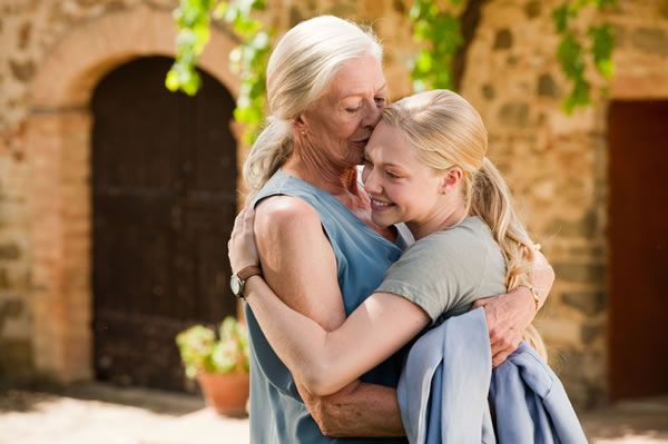 letters_to_juliet_movie_images_vanessa_redgrave_amanda_seyfried_01.jpg