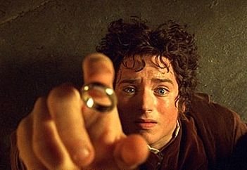 fellowship_of_the_ring_movie_image_elijah_wood_frodo_01.jpg