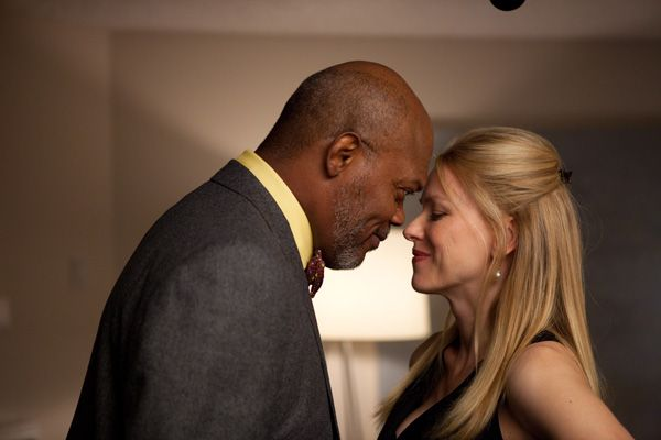 Samuel L. Jackson and Naomi Watts in Rodrigo Garcias MOTHER AND CHILD.jpg