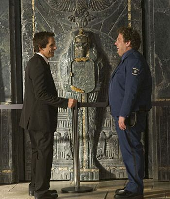night_at_the_museum_2_battle_of_the_smithsonian_movie_image__ben_stiller_and_jonah_hill.jpg