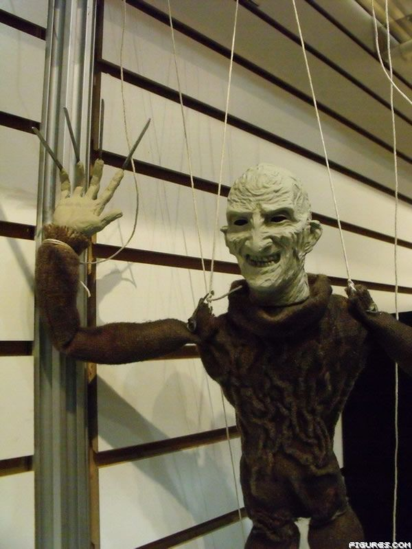 nightmare_elm_street_2010_freddy_puppet.JPG