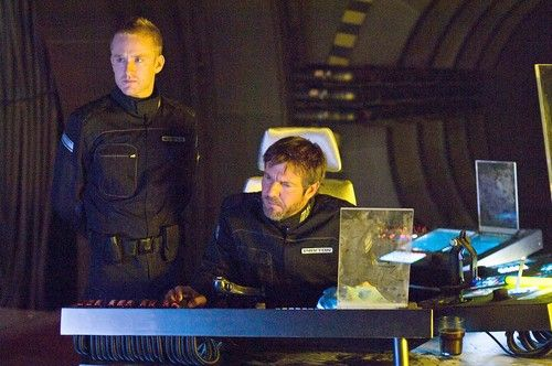 pandorum_movie_image_ben_foster_dennis_quaid.jpg