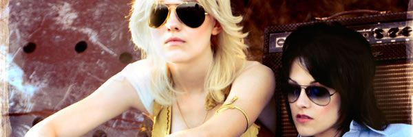 slice_The_Runaways_movie_image_Dakota_Fanning_Kristen_Stewart.jpg