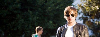 17_again_movie_image_zac_efron 33.jpg