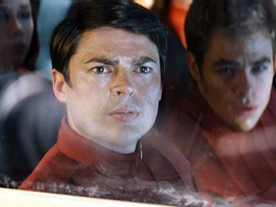karl_urban_and_chris_pine_star_trek_movie_image.jpg