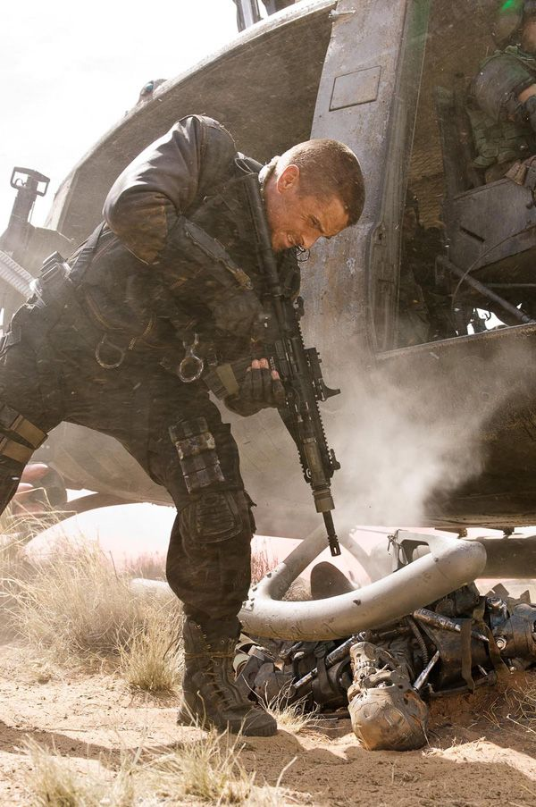 christian_bale_stars_as_john_connor_in_terminator_salvation.jpg