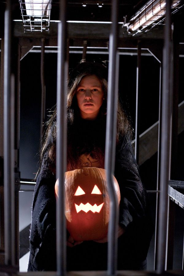 trick__r_treat_movie_image_anna_paquin.jpg