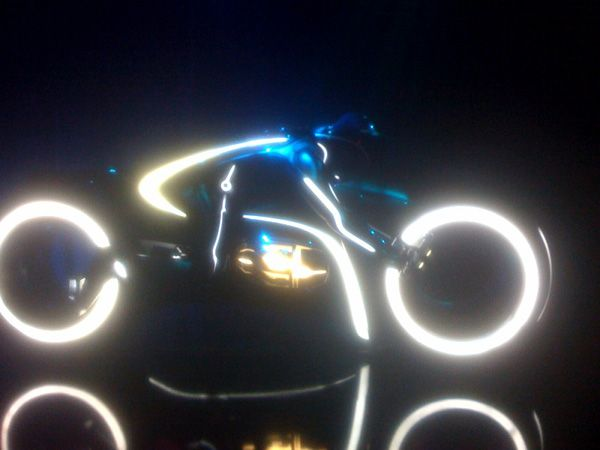 Tron Legacy Lightcycle Comic-Con viral event Flynns Arcade (2).jpg