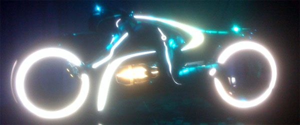 Tron Legacy Lightcycle Comic-Con viral event Flynns Arcade - slice.jpg