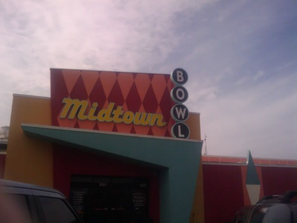 tron_legacy_viral_campaign_day_1_midtown_bowl.jpg
