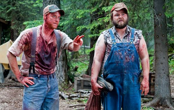 dale_tucker_vs_evil_movie_image_alan_tudyk_tyler_labine_01.jpg