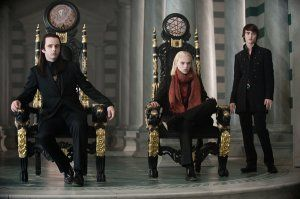 The Twilight Saga New Moon movie image Dakota Fanning and Michael Sheen.jpg