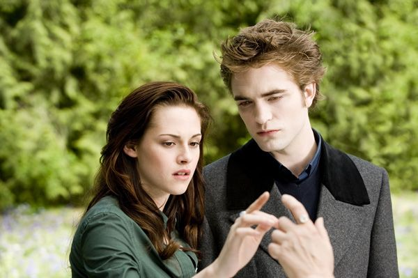 robert pattinson and kristen stewart new moon. The Twilight Saga New Moon
