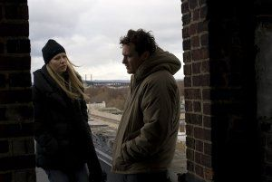two_lovers_movie_image_gwyneth_paltrow_and_joaquin_phoenix__2_.jpg