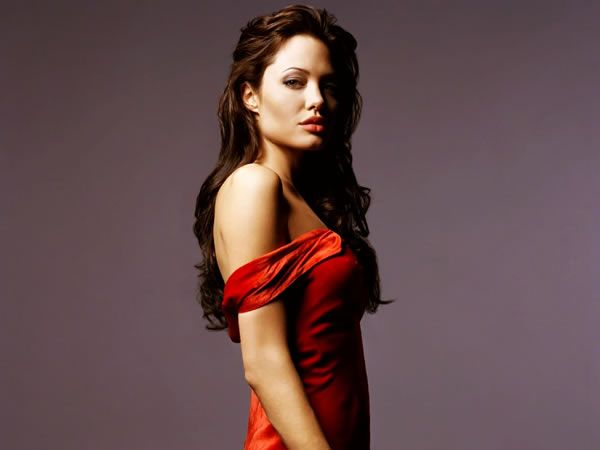 angelina_jolie_red_dress_image_01.jpg
