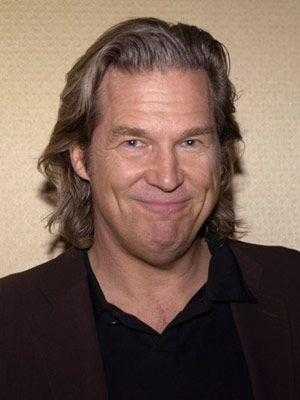 tron legacy jeff bridges young. Tron Legacy arrives this