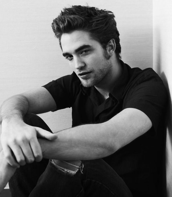 Robert Pattinson (1).jpg