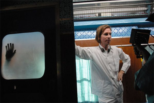 the_darjeeling_limited_movie_image_wes_anderson__2_.jpg