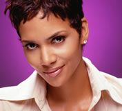 halle_berry_headline_01.jpg