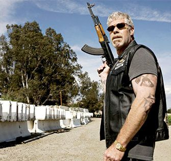 sons_of_anarchy_season_two_tv_show_image_ron_perlman_01.jpg