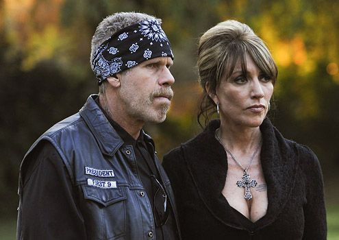 Collider Exclusive Interview – SONS OF ANARCHY Stars Katey Sagal and