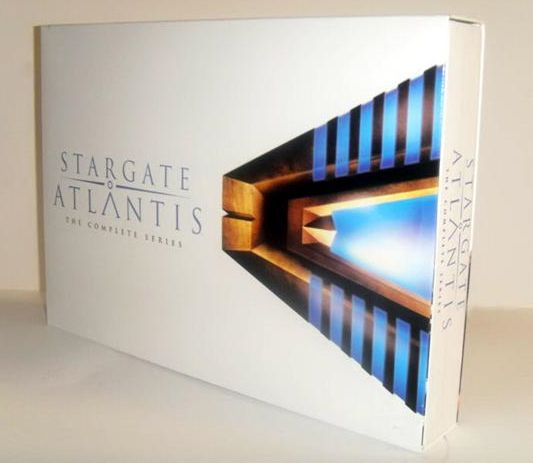 Stargate Atlantis the complete series dvd box set (1).jpg