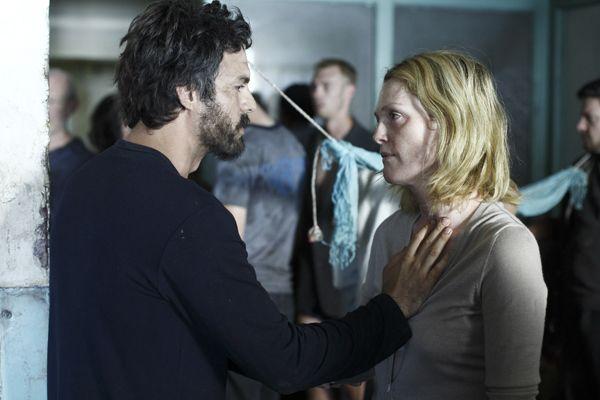 http://www.collider.com/uploads/imageGallery/Blindness/blindness_movie_image_julianne_moore_.jpg