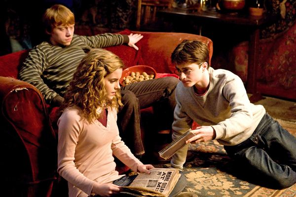 http://www.collider.com/uploads/imageGallery/Harry_Potter_Half_Blood_Prince/emma_watson__rupert_grint_and_daniel_radcliffe_harry_potter_and_the_half_blood_prince_movie_image_s.jpg