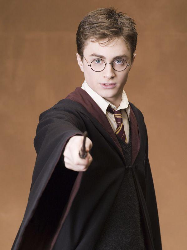 Daniel Radcliffe talks HARRY POTTER 6 and 7 | Collider