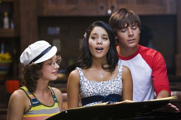 http://www.collider.com/uploads/imageGallery/High_School_Musical_2/high_school_musical_2_zac_efron__1_.jpg
